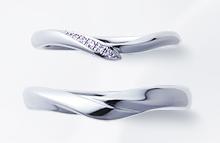 俄の結婚指輪「初桜」