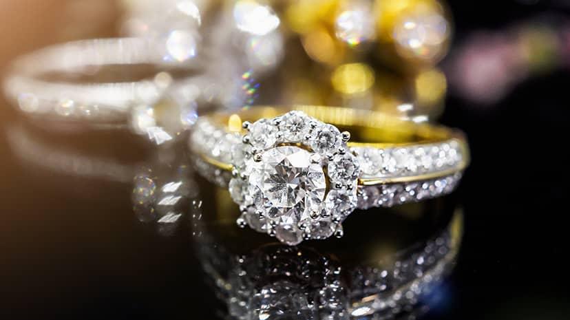 綺麗なダイヤとゆびわ