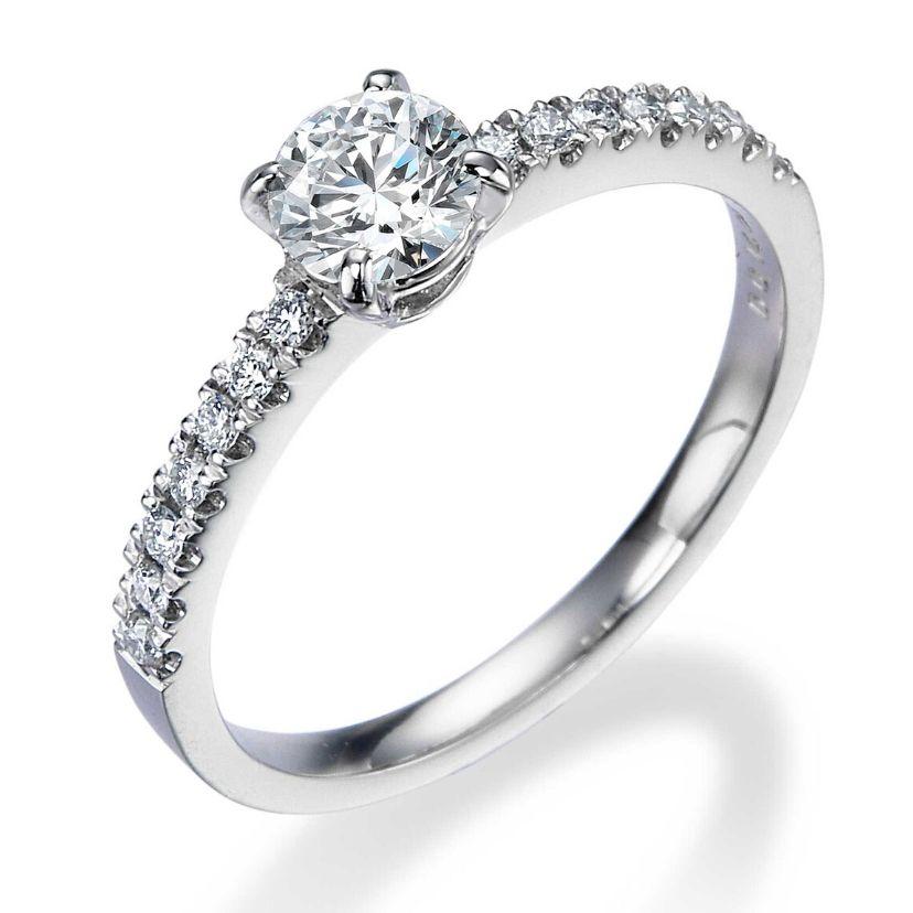 ダイヤモンドリング(婚約指輪)