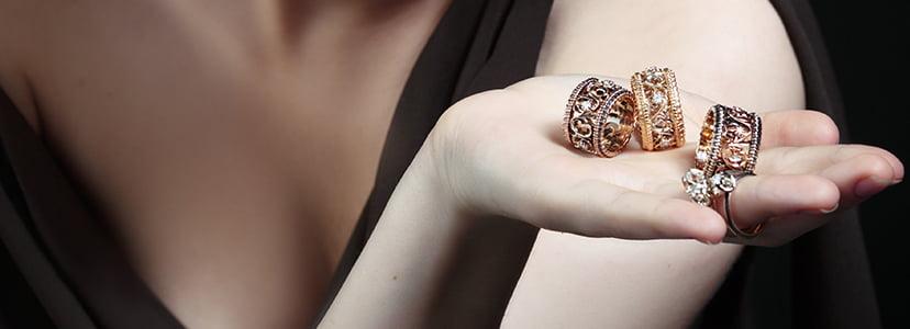 たくさんの指輪